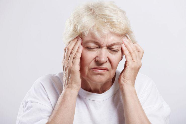 Chóng mặt là triệu chứng huyết áp thấp sau khi ăn đặc trưng nhất